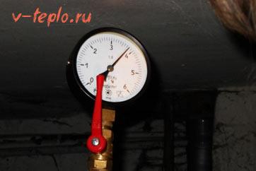Манометр - измеритель давления в системе