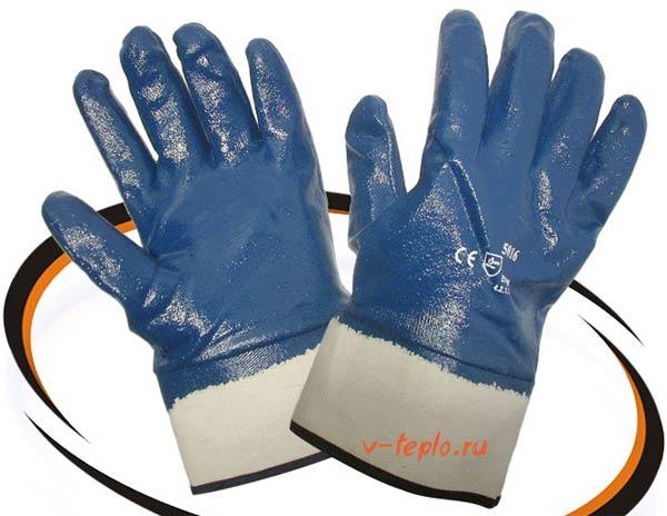 перчатки для работы с герметиком