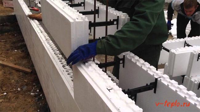 Монтаж пенопластовых блоков