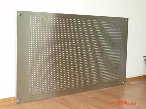 экран из метала на батарею