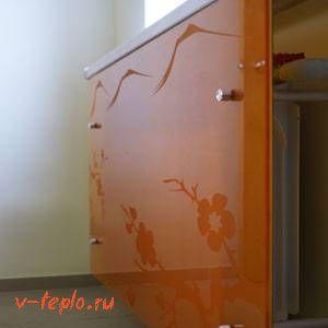стеклянная решетка на радиатор отопления фото
