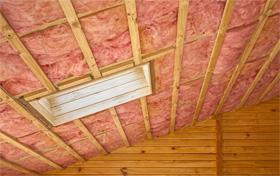 Утепляем потолок в доме с холодной крышей
