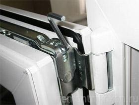 Как самостоятельно отрегулировать пластиковую балконную дверь