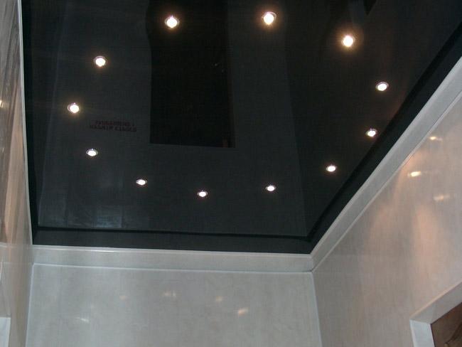 Монтаж двухуровневых натяжных потолков для зала фото и рекомендации