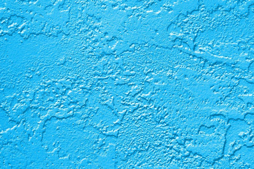 Окрашенные стены бассейна
