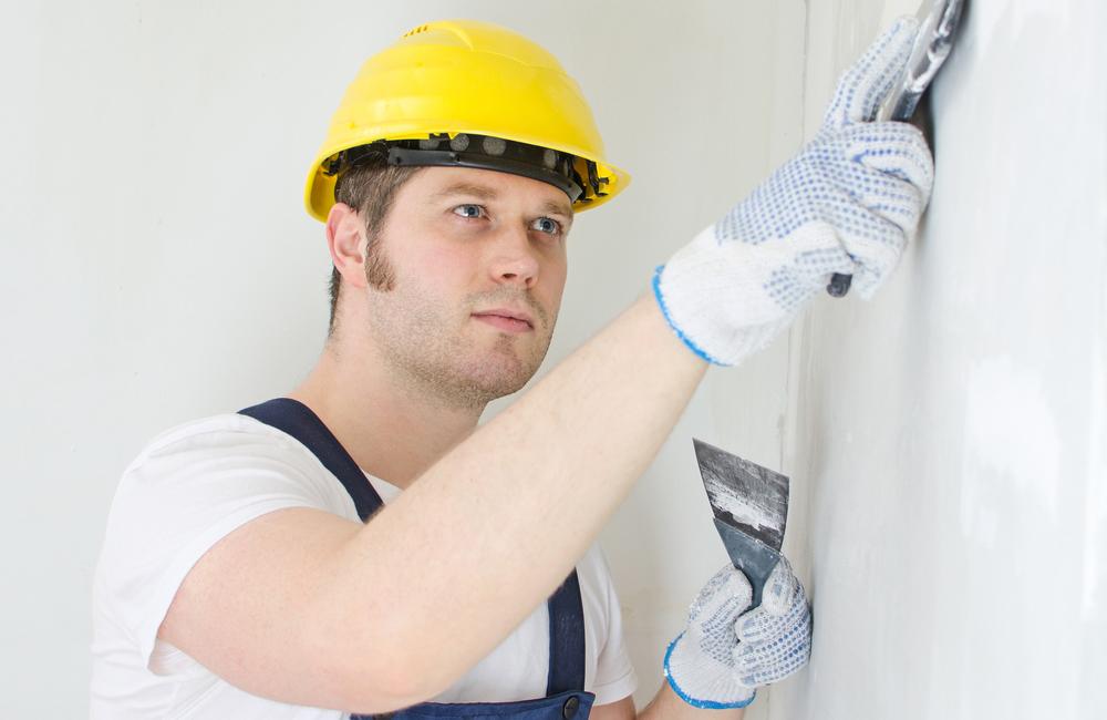 Как выровнять стены: штукатуркой, шпаклевкой, гипсокартоном