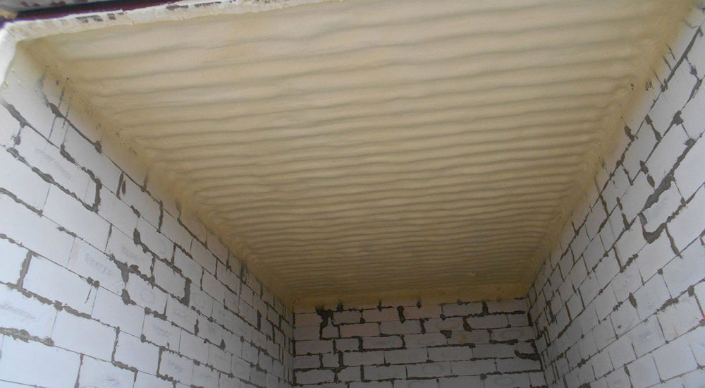 Утепление потолка в кирпичном гараже