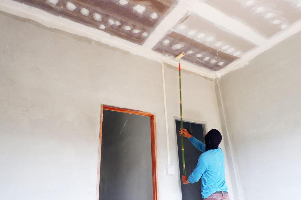 Подготовка потолка к белению