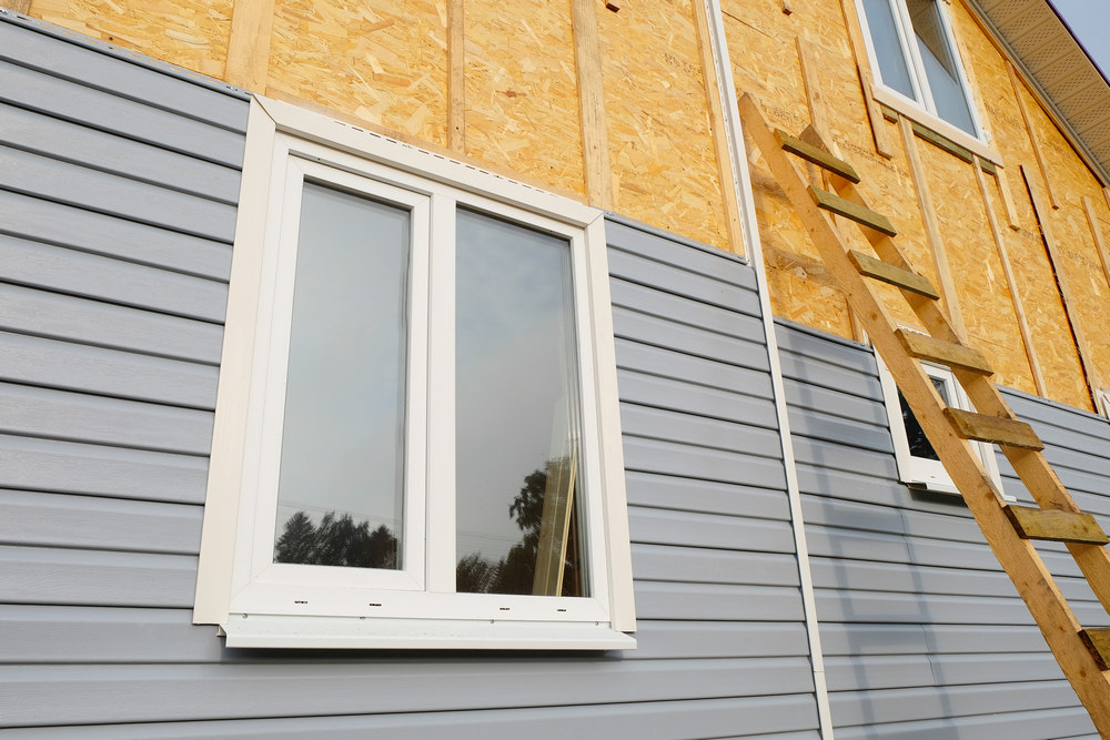 Этапы монтажа сайдинга на фасад дома
