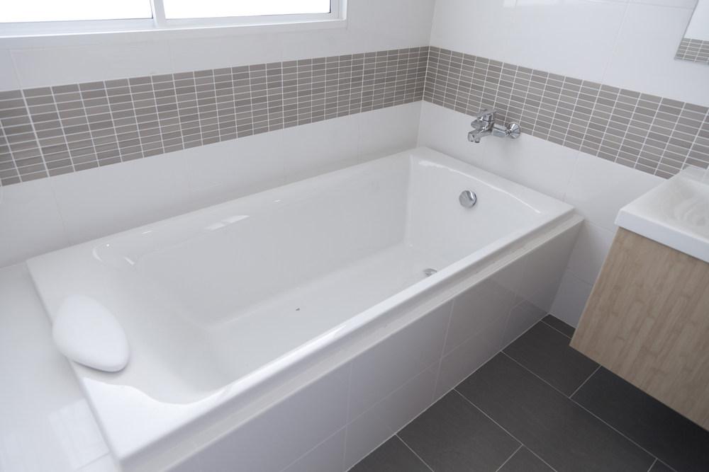 Преимущества установки ванны в квартире