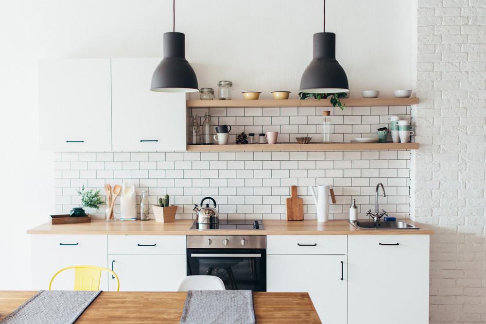 Назначение фартуков на кухне