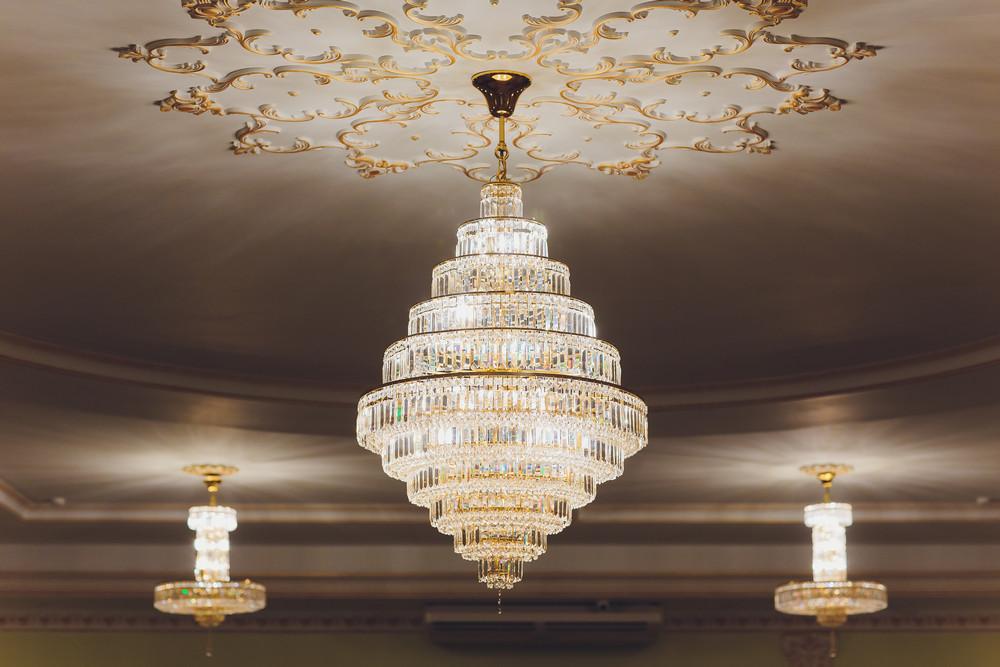 Правила выбора люстры в квартиру или дом