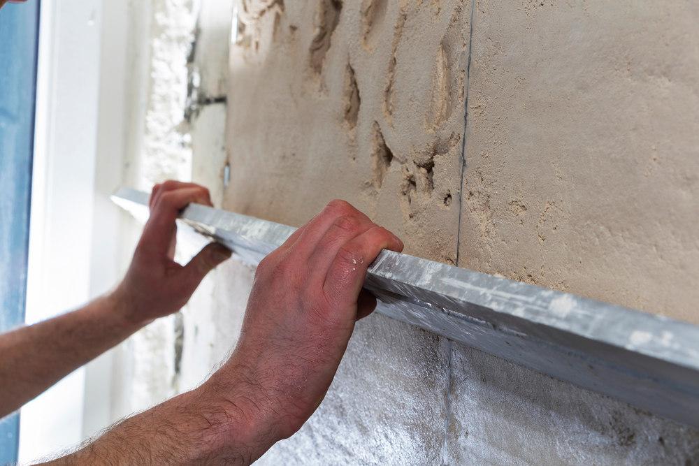 Этапы и технология штукатурки стен