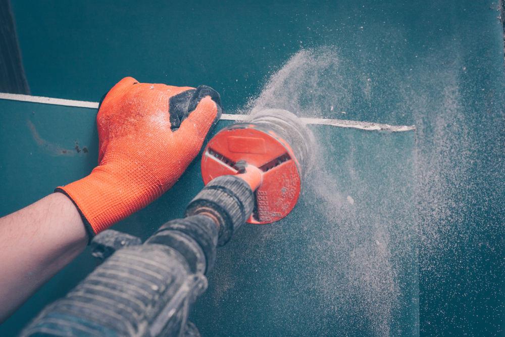 ЧКак убрать пыль после резки гипсокартона
