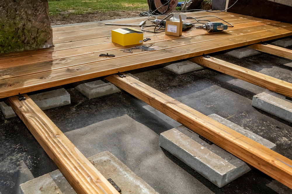 Инструменты для строительства веранды к дому